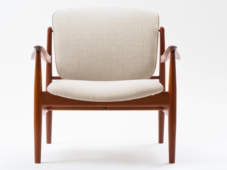 Cotton Finn Juhl Lounge Chair Model FD 136 in Teak For Sale