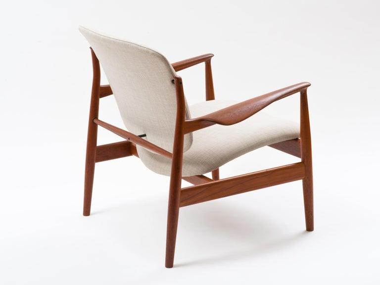 Finn Juhl Lounge Chair Model FD 136 in Teak For Sale 1