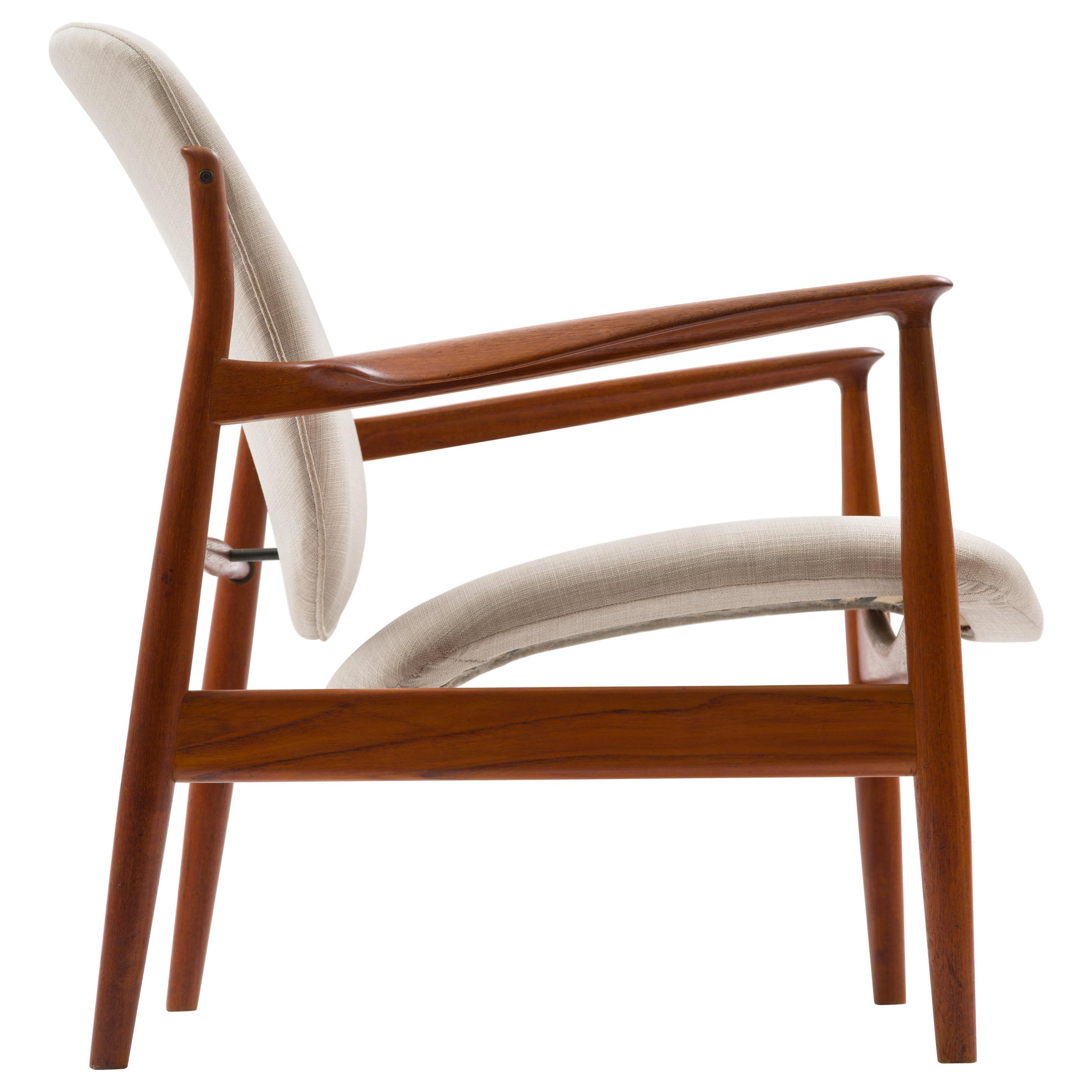 Finn Juhl Lounge Chair Model FD 136 in Teak