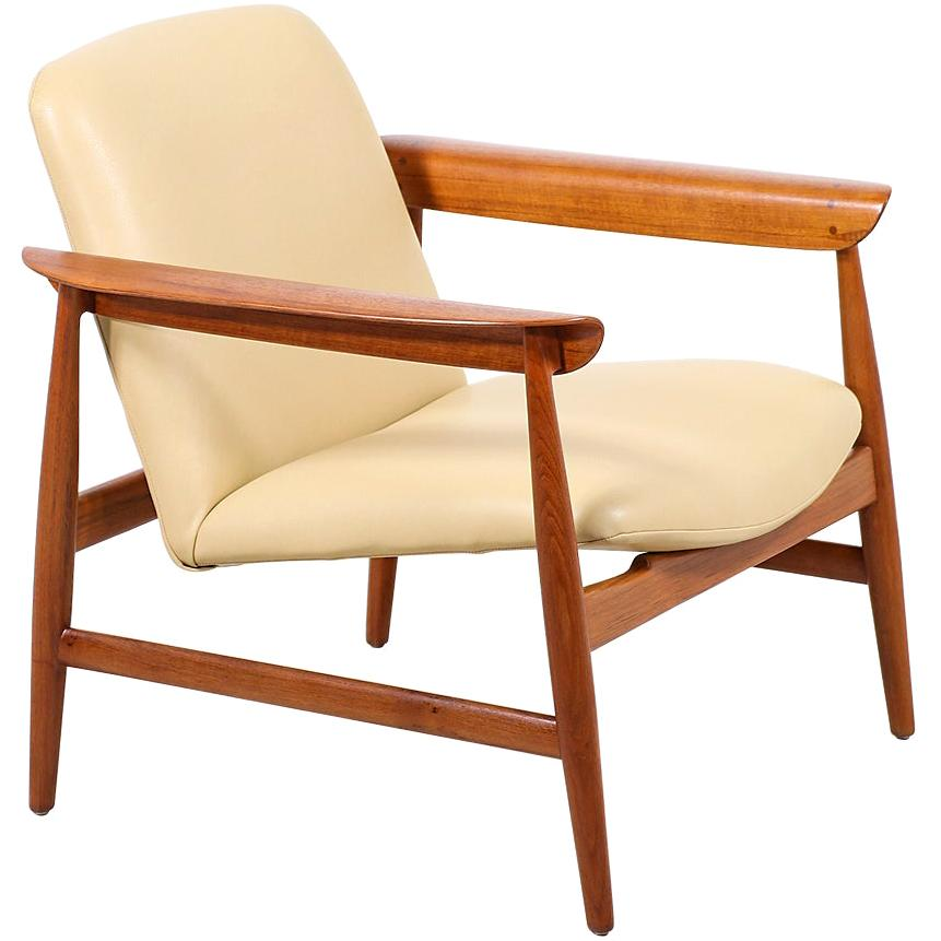 Finn Juhl Model BO-118 Teak Lounge Chair for Bovirke