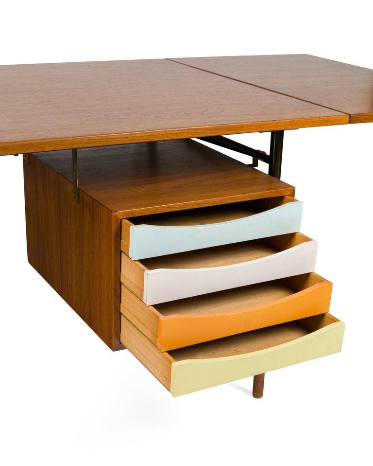 Finn Juhl Model BO69 Nyhavn Teak Desk with Extension for Bovirke, Denmark, 1950s In Good Condition For Sale In New York, NY