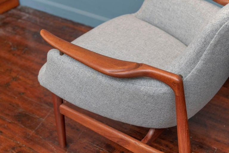 Mid-20th Century Finn Juhl NV-53 Lounge Chairs for Niels Vodder For Sale