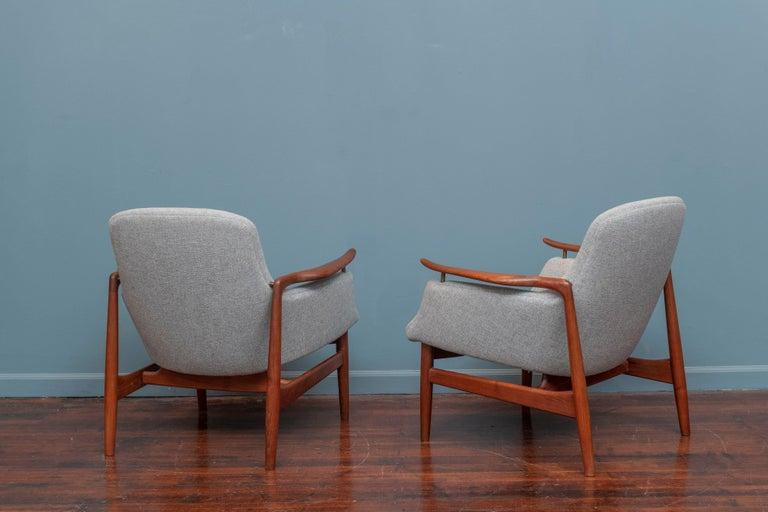 Upholstery Finn Juhl NV-53 Lounge Chairs for Niels Vodder For Sale