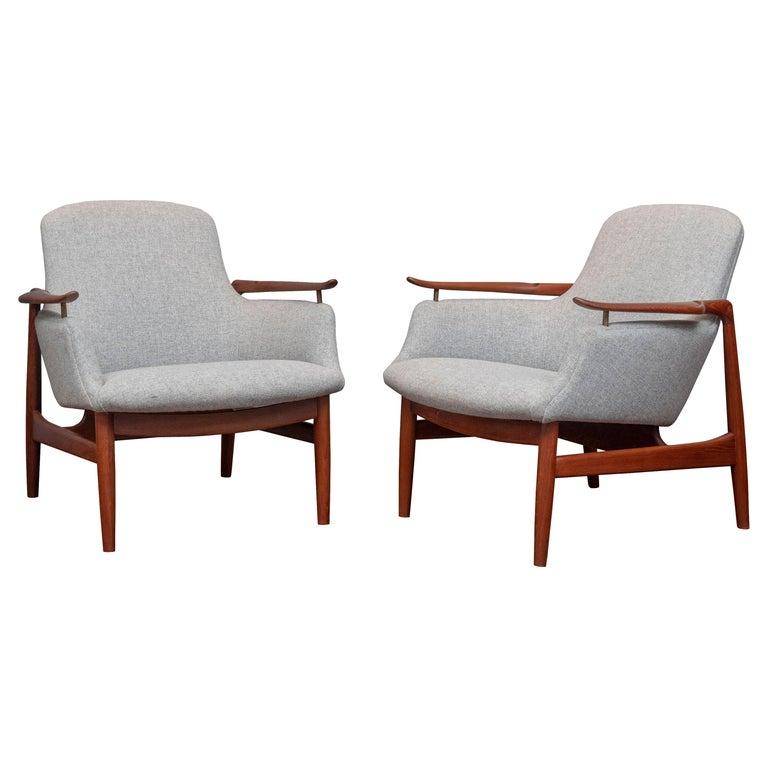 Finn Juhl NV-53 Lounge Chairs for Niels Vodder For Sale