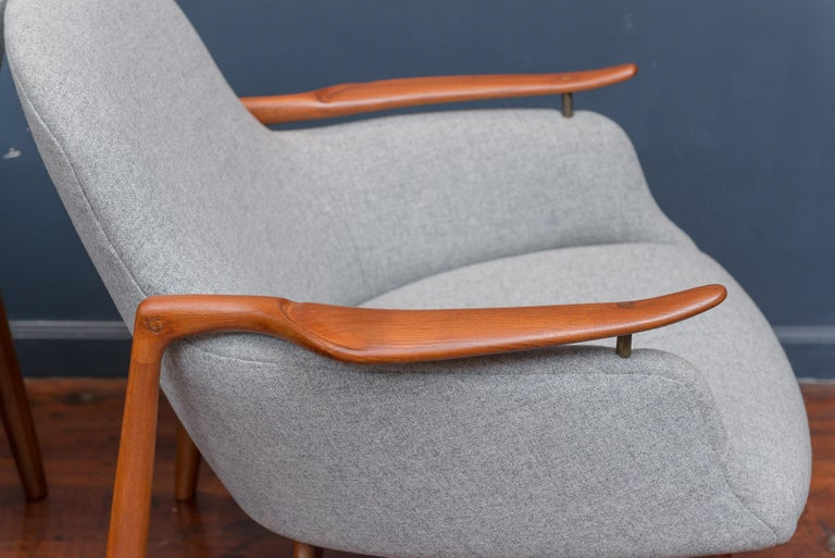 Mid-20th Century Finn Juhl NV53 Lounge Chairs for Niels Vodder For Sale