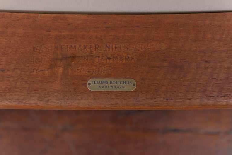 Finn Juhl NV53 Lounge Chairs for Niels Vodder For Sale 2