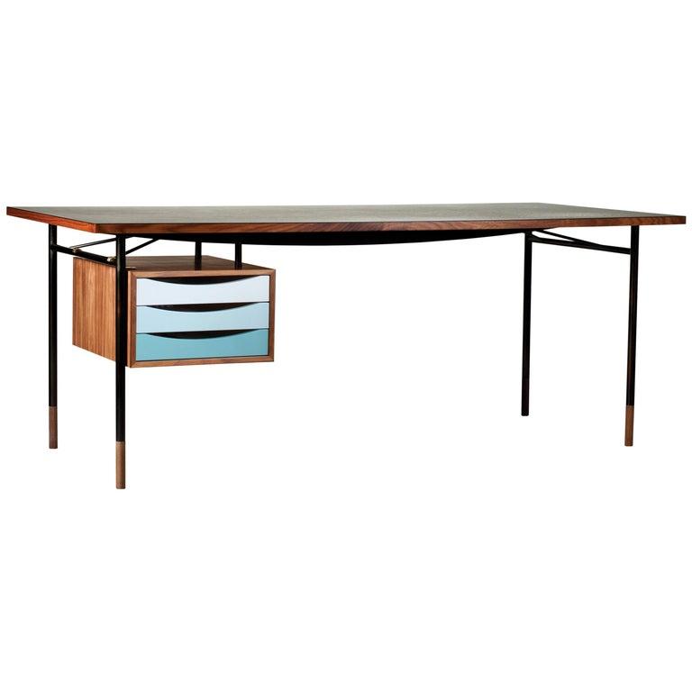 Finn Juhl Nyhavn Desk Walnut Black Lino Cold Colorway Blue and White, 1945 For Sale