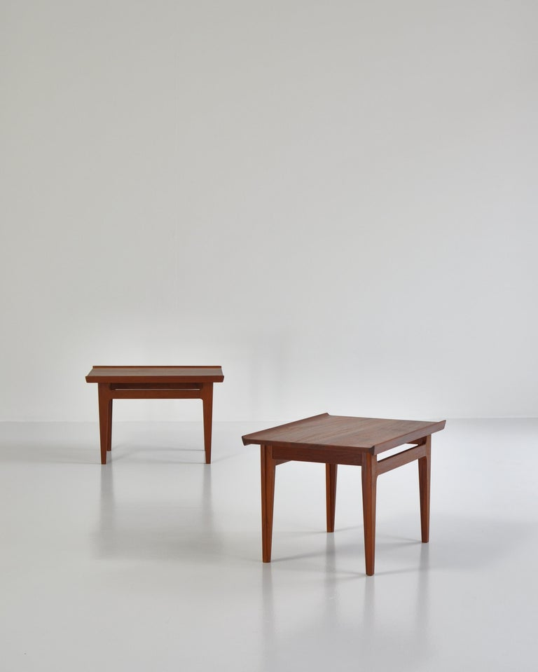 Finn Juhl Pair of Side Tables in Solid Teakwood by France & Son, 1959 For Sale 3