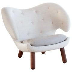Finn Juhl Pelican Chair by House of Finn Juhl