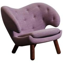 Finn Juhl Pelican Chair, Fabrict with Buttons