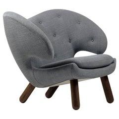 Finn Juhl Pelican Chair Grey Fabric with Buttons
