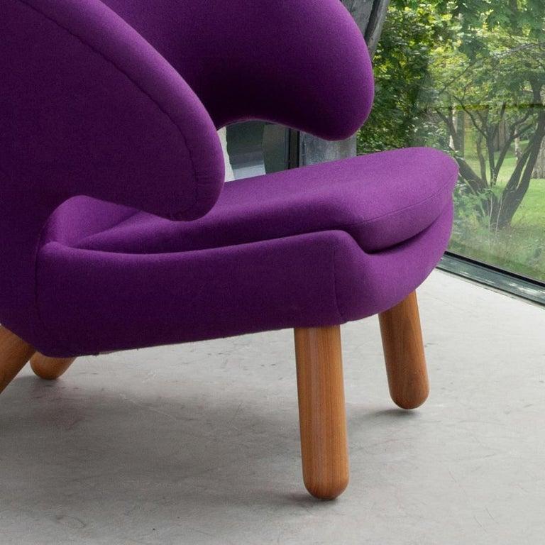Modern Finn Juhl Purple Pelican Chair Walnut, Purple Fabric Divina  For Sale