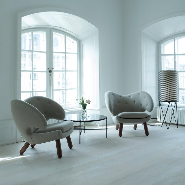 Finn Juhl Purple Pelican Chair Walnut, Purple Fabric Divina  For Sale 2