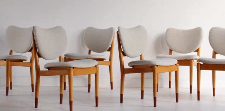 Finn Juhl, Rare Dining / Side Chairs, Maple, Teak, Beige Fabric, Denmark, 1949 In Excellent Condition For Sale In West Palm Beach, FL