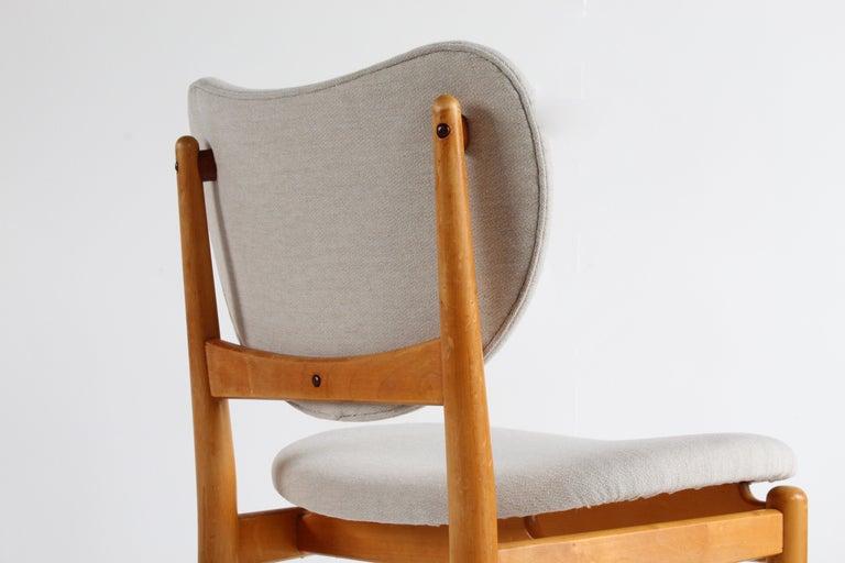 Finn Juhl, Rare Dining / Side Chairs, Maple, Teak, Beige Fabric, Denmark, 1949 For Sale 2
