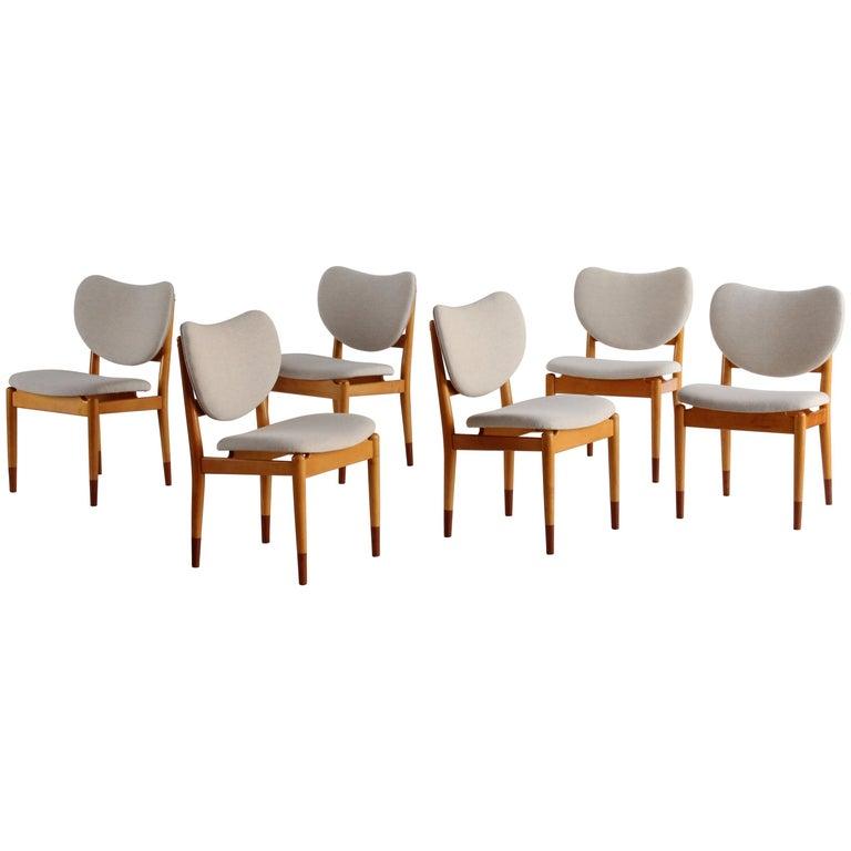 Finn Juhl, Rare Dining / Side Chairs, Maple, Teak, Beige Fabric, Denmark, 1949 For Sale