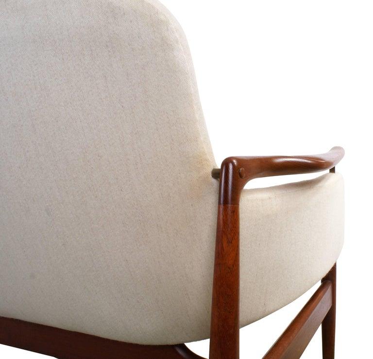 Finn Juhl Rare NV53 Three-Seat Sofa for Niels Vodder For Sale 5