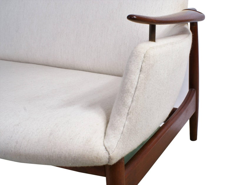 Finn Juhl Rare NV53 Three-Seat Sofa for Niels Vodder For Sale 8