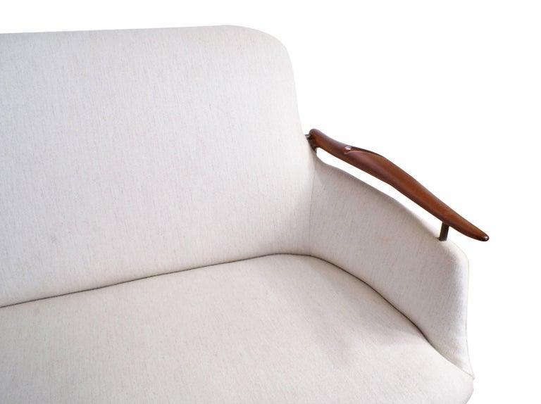 Finn Juhl Rare NV53 Three-Seat Sofa for Niels Vodder In Excellent Condition For Sale In Copenhagen, DK