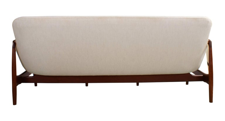 Finn Juhl Rare NV53 Three-Seat Sofa for Niels Vodder For Sale 2
