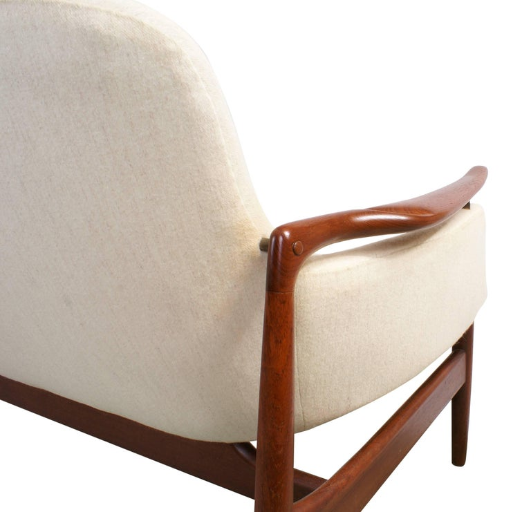 Finn Juhl Rare NV53 Three-Seat Sofa for Niels Vodder For Sale 3