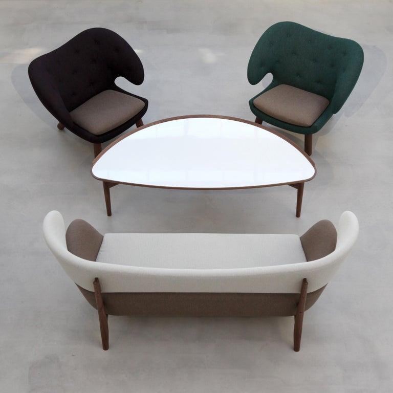 Finn Juhl Red Pelican Chair Walnut, Red Fabric Divina For Sale 1