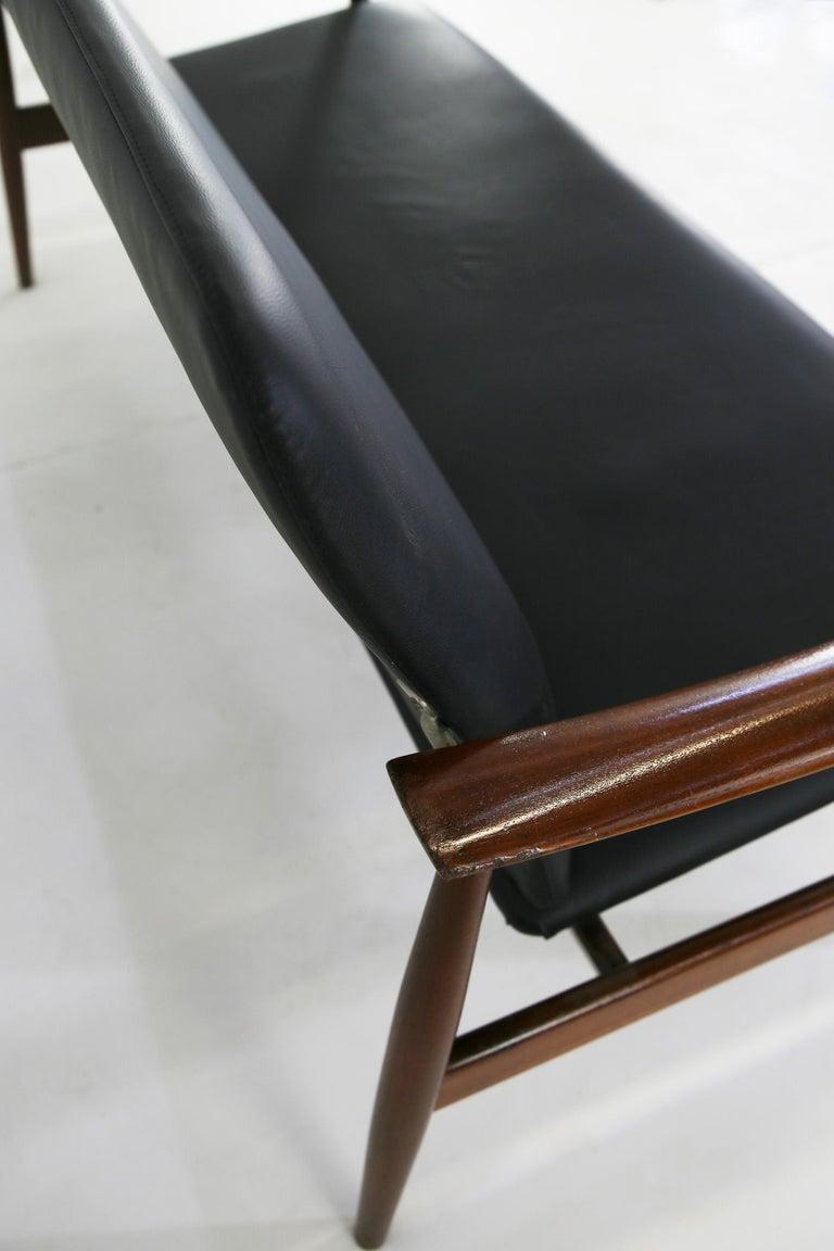 Mid-Century Modern Finn Juhl Sofa Model 138 For Sale