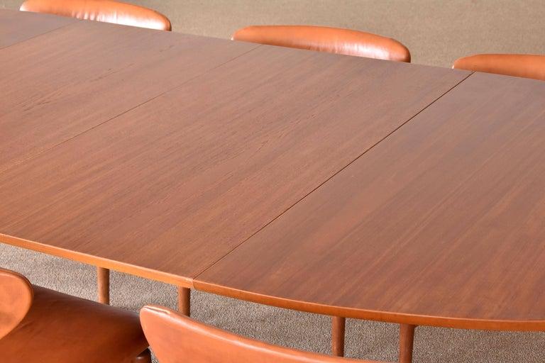 Danish Finn Juhl, Large Extendable Oval / Round Dining Table, Teak, Niels Vodder, 1955 For Sale