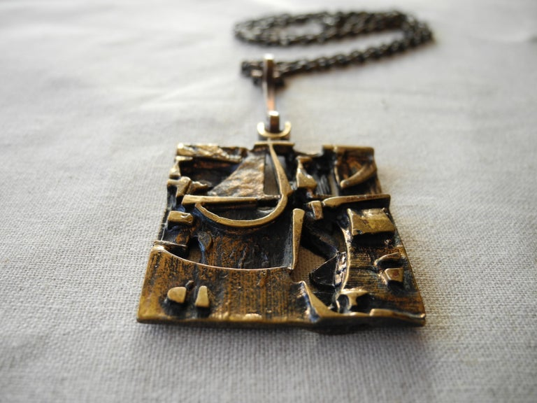 Finnish Cast Bronze Sculptural Modern Pendant and Chain by Jorma Laine, 1960s In Good Condition For Sale In Hudson, NY