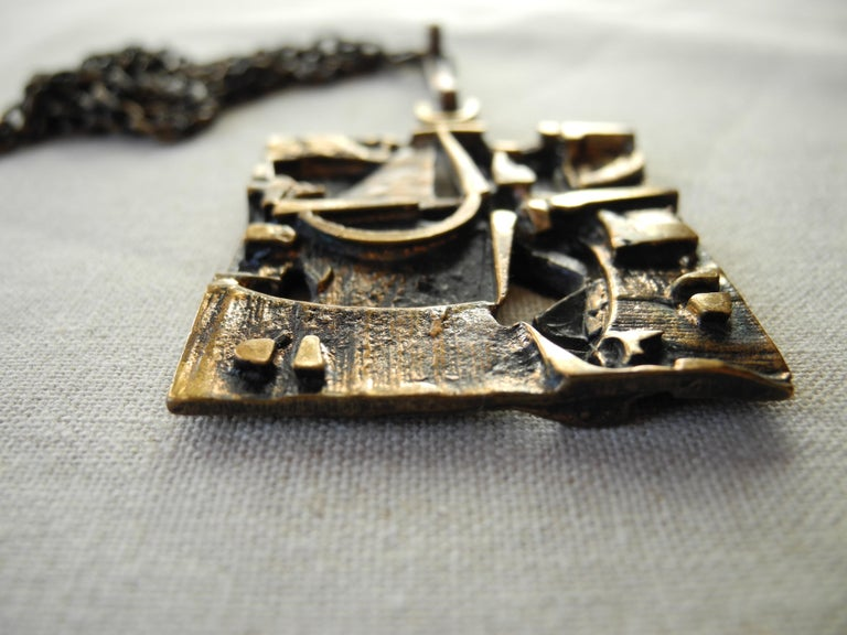 Finnish Cast Bronze Sculptural Modern Pendant and Chain by Jorma Laine, 1960s For Sale 2