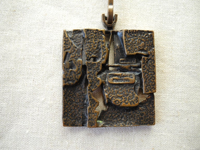 Finnish Cast Bronze Sculptural Modern Pendant and Chain by Jorma Laine, 1960s For Sale 5