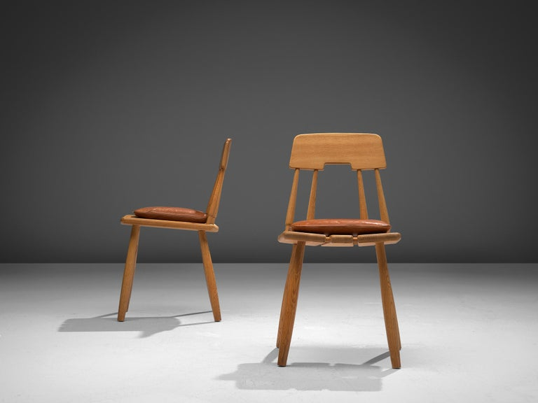 Scandinavian Modern Finnish Dining Chairs in Oak with Leather Cushions For Sale