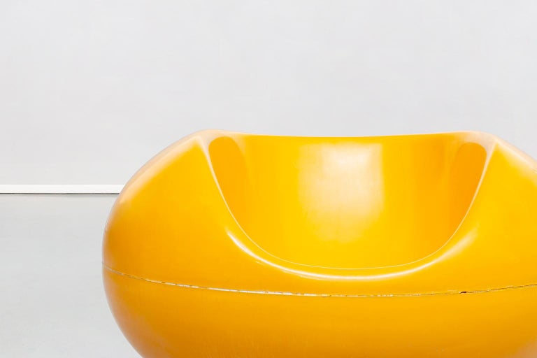 Finnish Fire Yellow Fiberglass Pastille Armchairs by Eero Aarnio for Asko, 1967 For Sale 3