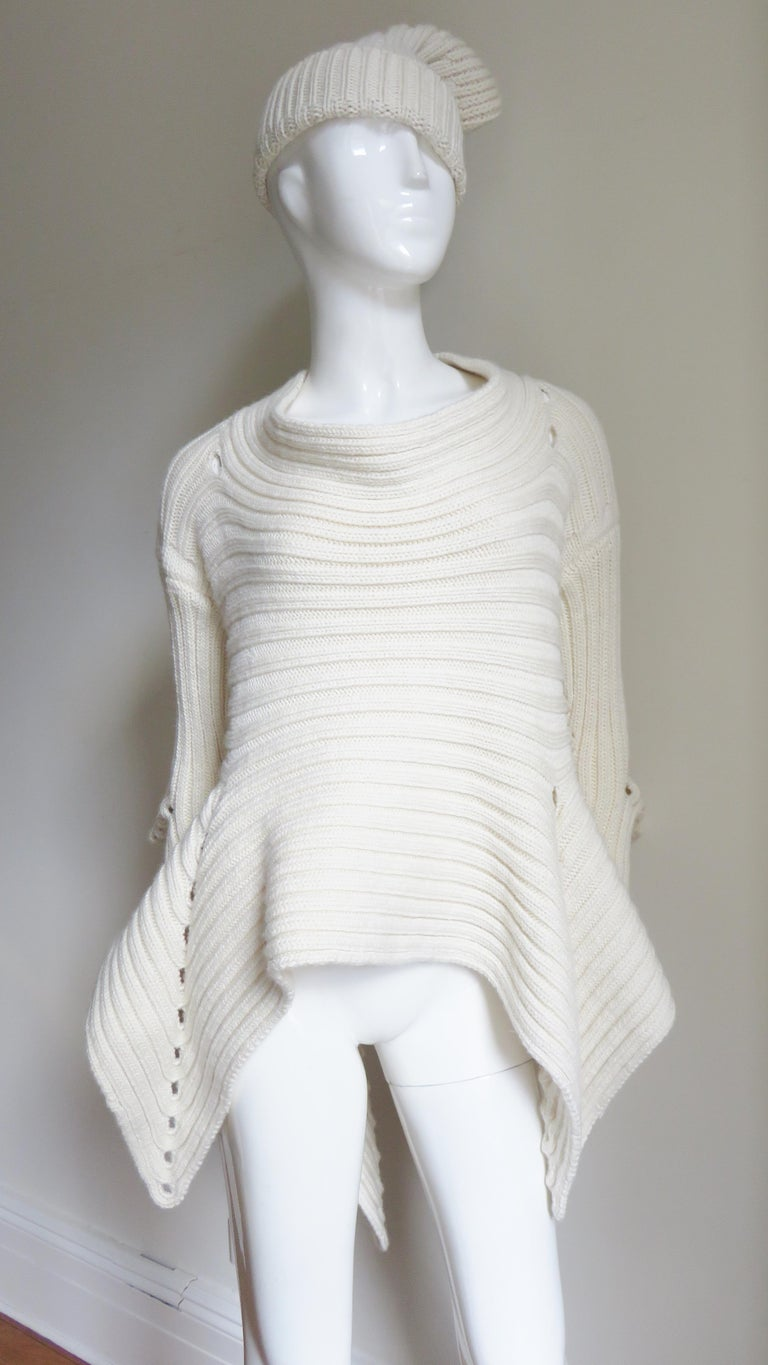 Fintan Mulhollnd Irish Hand Knit Sweater and Touque In New Condition For Sale In New York, NY