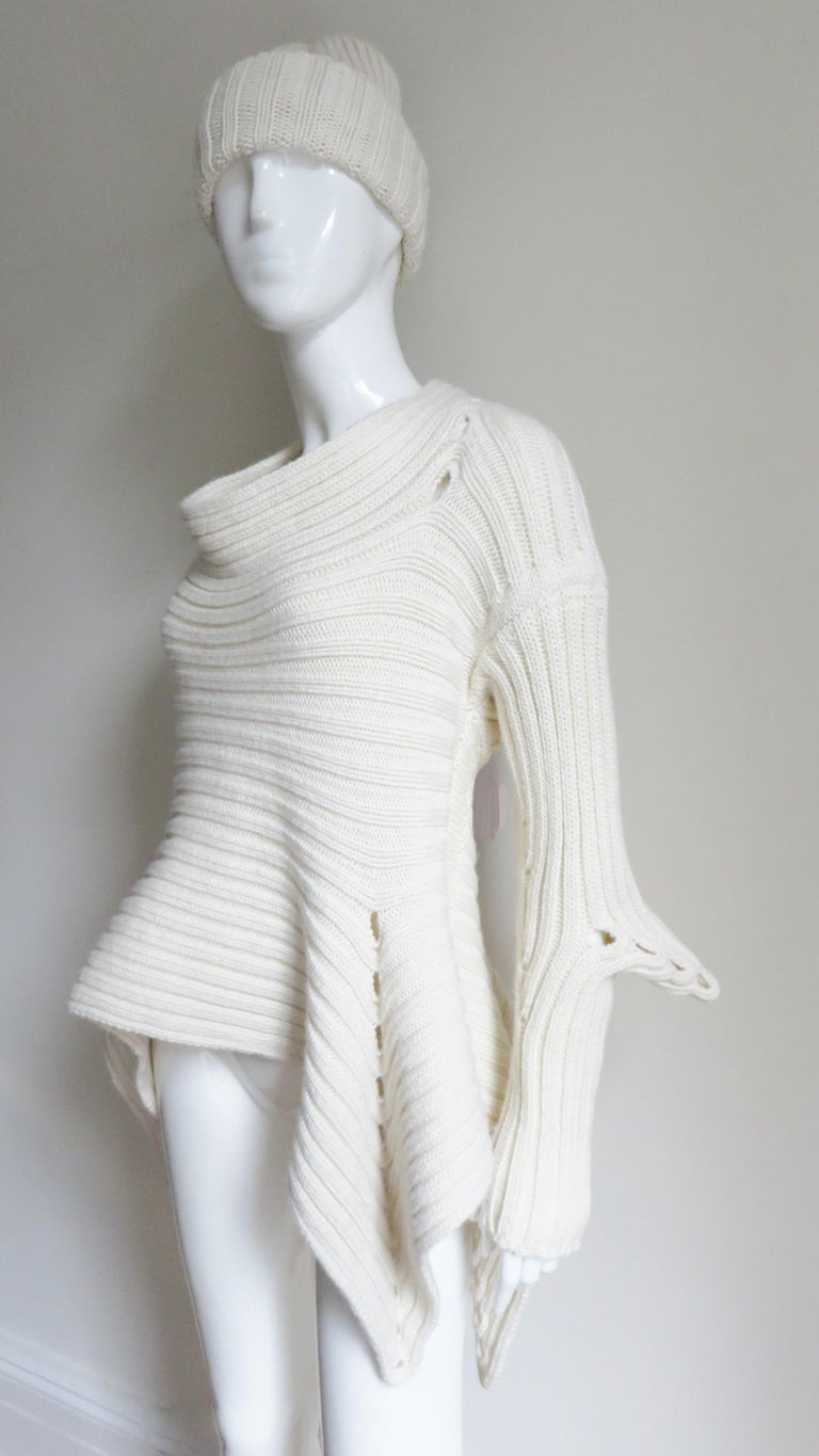 Fintan Mulhollnd Irish Hand Knit Sweater and Touque For Sale 2