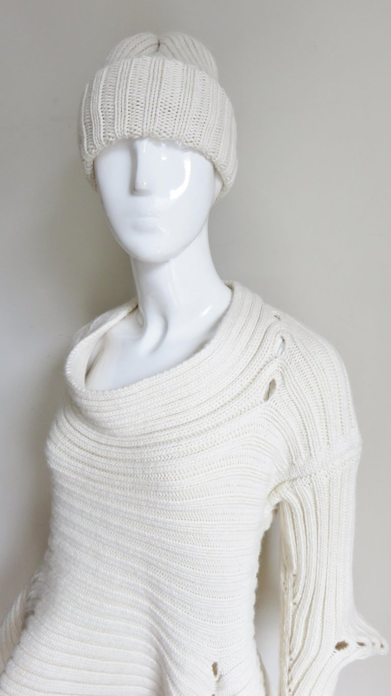 Fintan Mulhollnd Irish Hand Knit Sweater and Touque For Sale 3