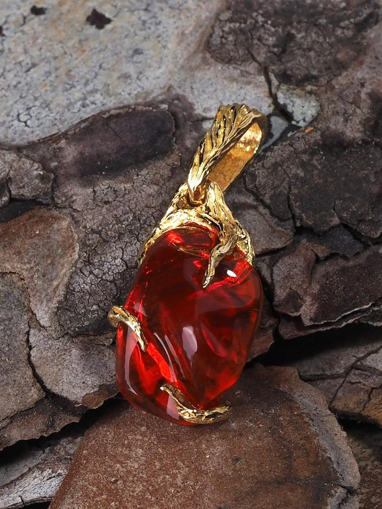 Fire Opal 18K Yellow Gold Pendant Fiery Red Natural Mexican Gem Healing Power For Sale 1