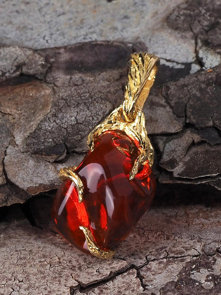 Fire Opal 18K Yellow Gold Pendant Fiery Red Natural Mexican Gem Healing Power For Sale 2