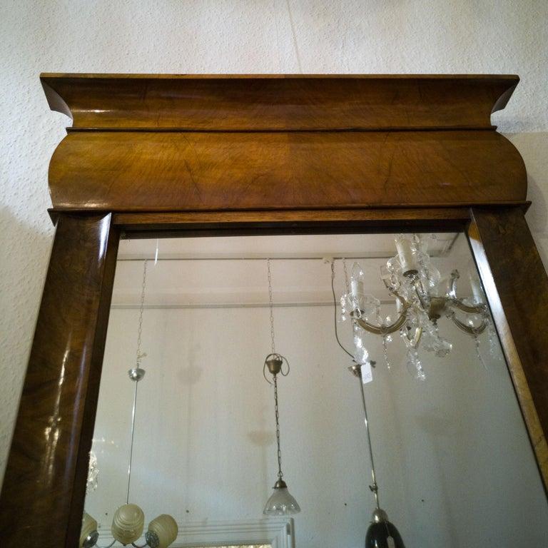 Fireplace Mirror circa 1840 Walnut Burl Wood Shellac Biedermeier / Regency For Sale 6