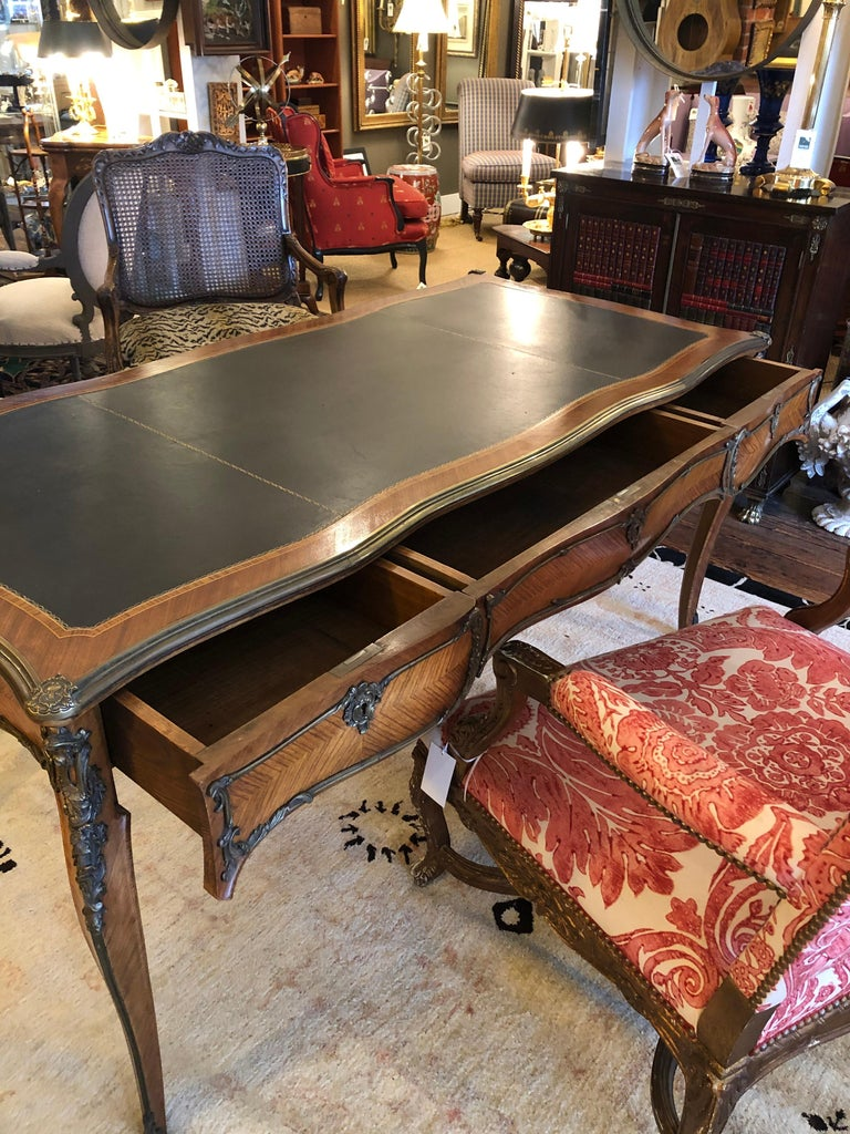 French Superb Louis XV Style Kingwood Veneer and Brass Mounted Bureau Plat Desk For Sale