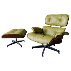 First Generation Eames Rosewood 670 Lounge Chair and 671 Ottoman, circa 1955
