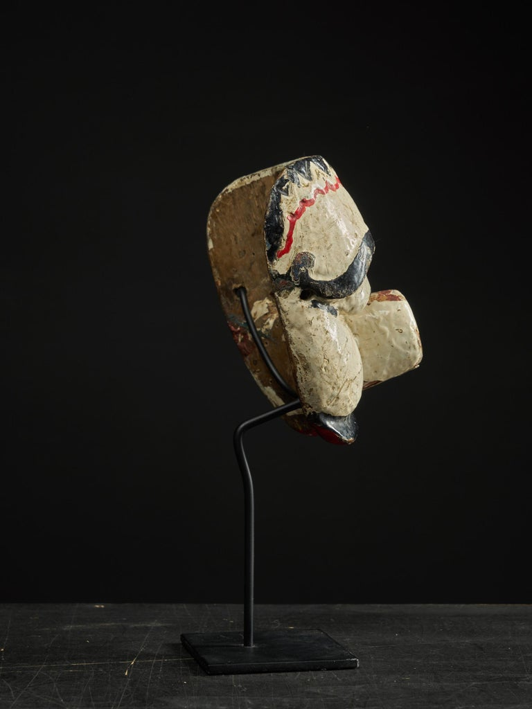 First Half 20th C, Java Indonesia, Old Topeng Theatre Dance Mask  In Good Condition For Sale In Leuven , BE
