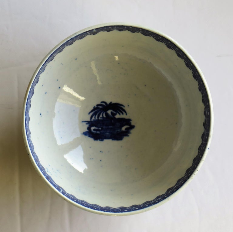 First Period Dr. Wall Worcester porcelain Blue Bowl in Fisherman Ptn, Circa 1775 For Sale 5