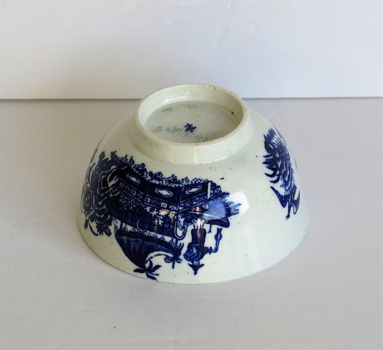 First Period Dr. Wall Worcester porcelain Blue Bowl in Fisherman Ptn, Circa 1775 For Sale 8
