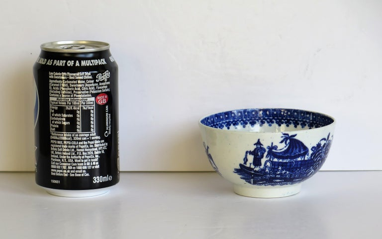 First Period Dr. Wall Worcester porcelain Blue Bowl in Fisherman Ptn, Circa 1775 For Sale 10