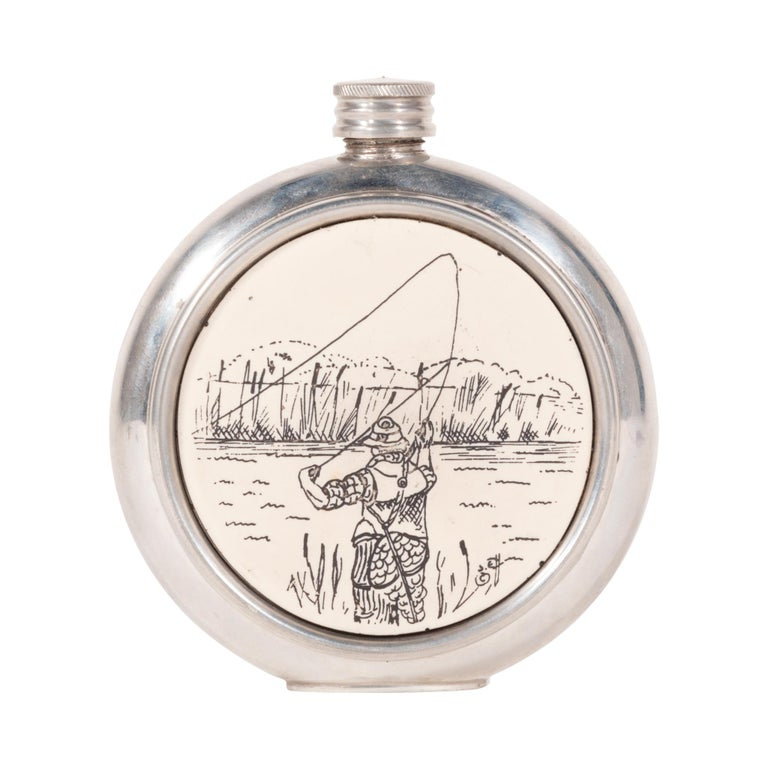 Fisherman's Vintage Sheffield Flask In Good Condition For Sale In Coeur d'Alene, ID