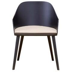 Fitt Black Chair by Victor Carrasco