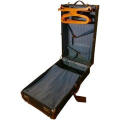 Fitted Steamer Trunk Cabin Wardrobe,