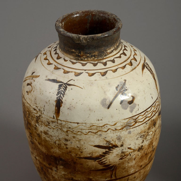 Five 16th Century Ming Period Cizhou Vases In Good Condition For Sale In London, GB