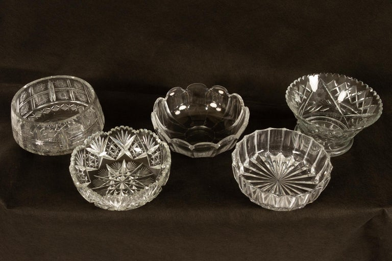 Five beautiful crystal bowls with different cuts. Measuring between 21 and 31cm in width. All in good condition with no chips or cracks.